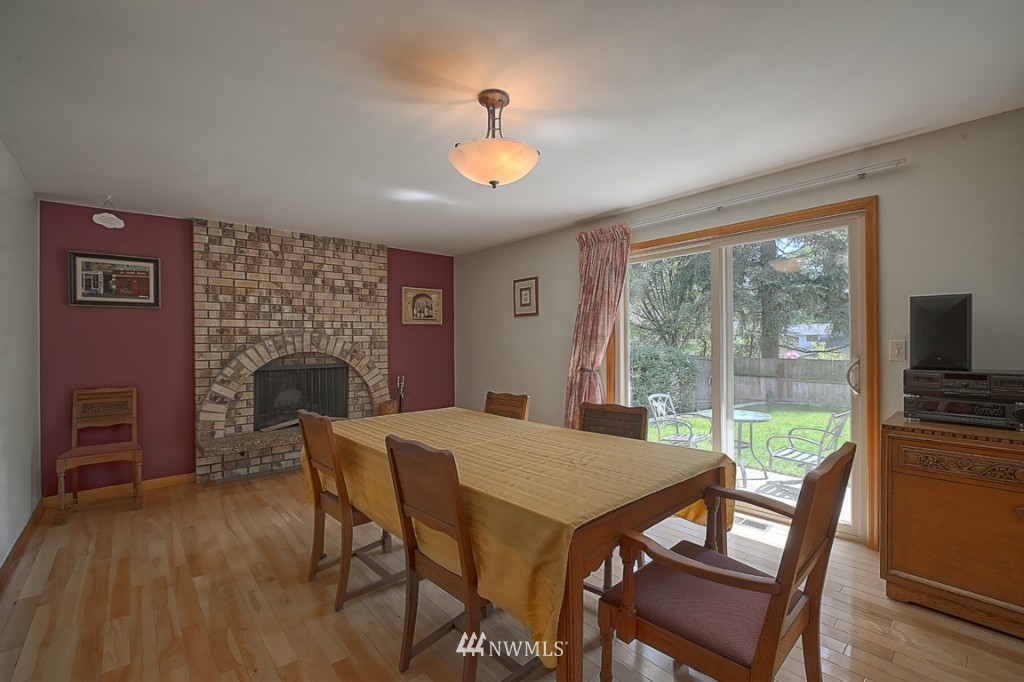 Sold Property | 3011 NE 194th Street Seattle, WA 98155 9