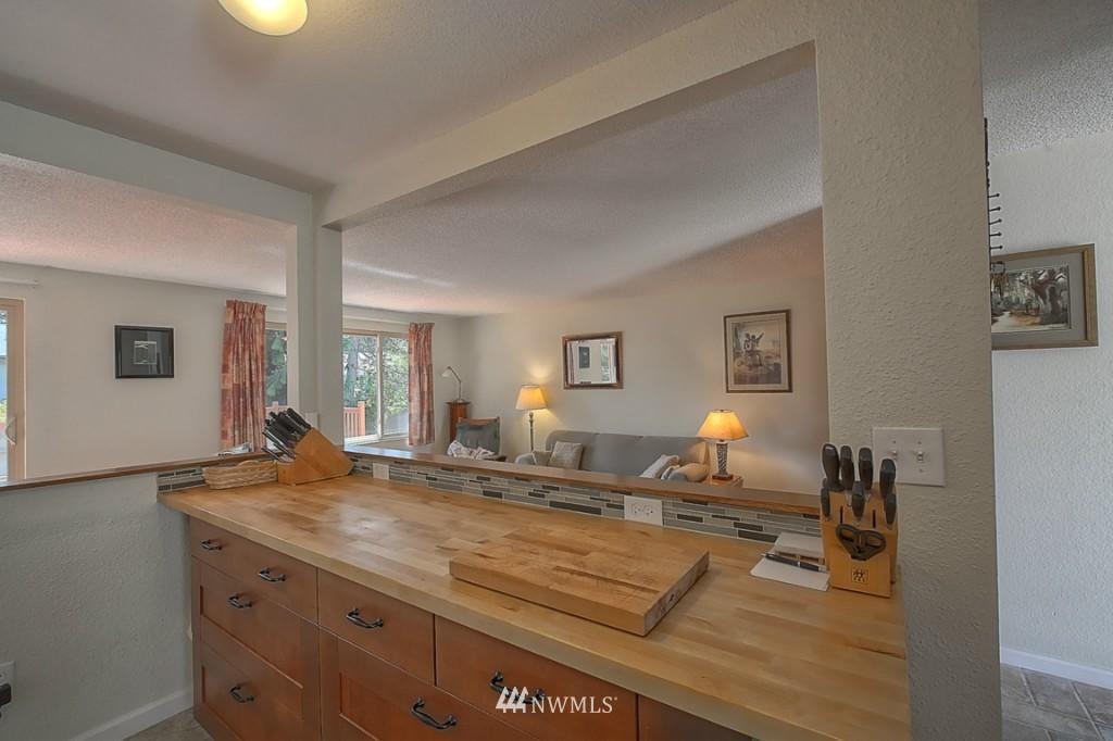 Sold Property | 3011 NE 194th Street Seattle, WA 98155 7