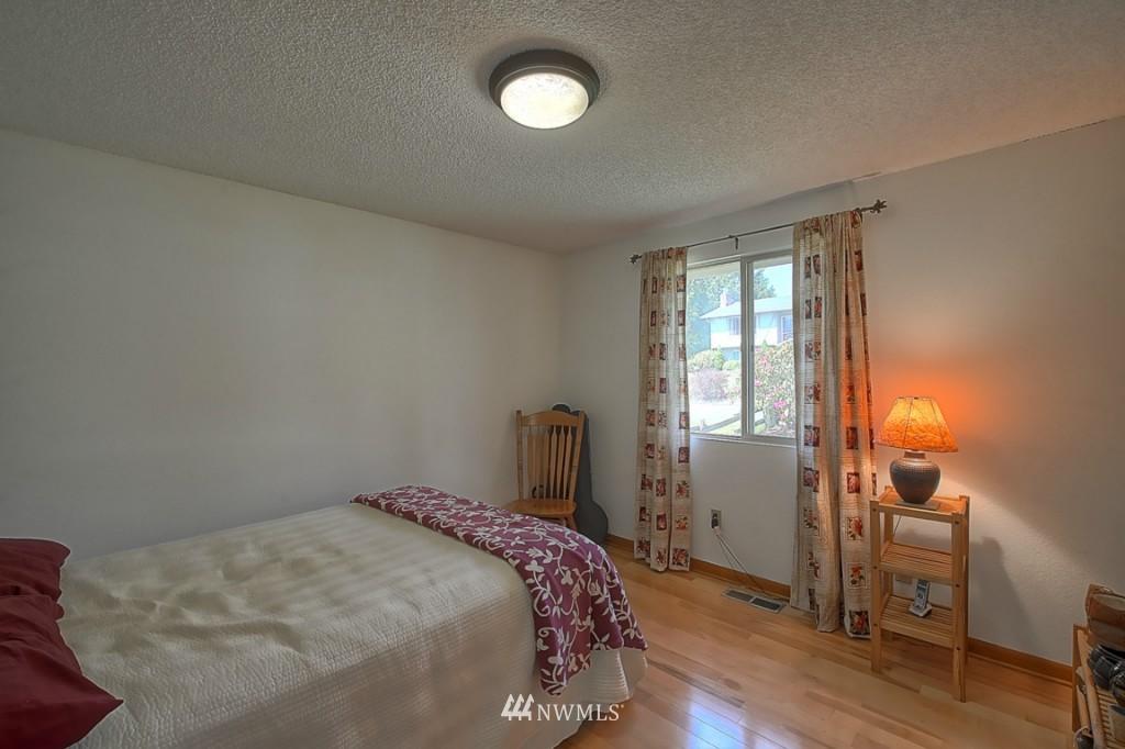 Sold Property | 3011 NE 194th Street Seattle, WA 98155 12