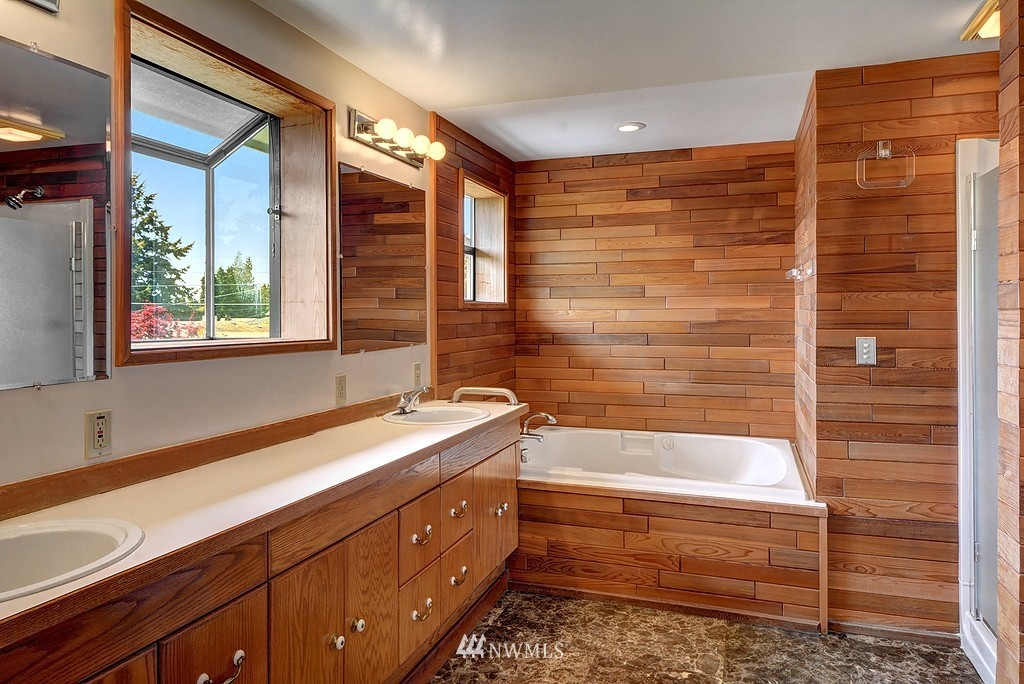 Sold Property   20028 18th Avenue NW Shoreline, WA 98177 9