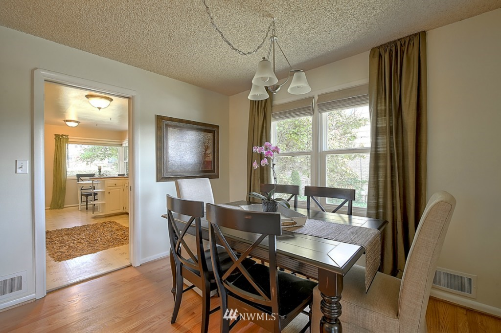 Sold Property   12718 12th Avenue NW Seattle, WA 98177 5