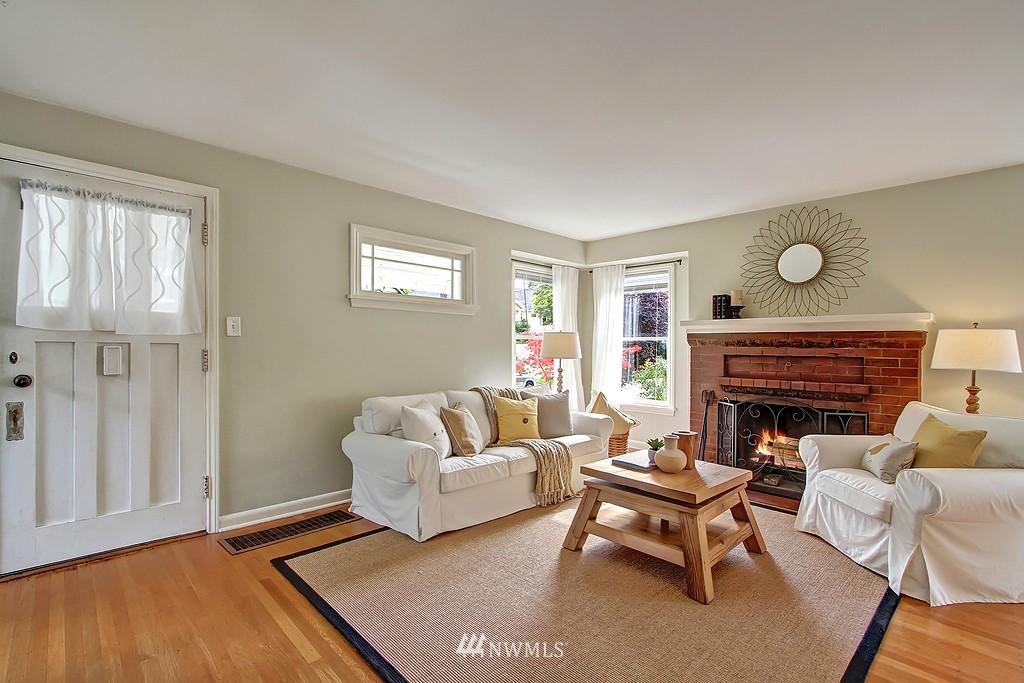 Sold Property | 6247 Palatine Avenue N Seattle, WA 98103 3