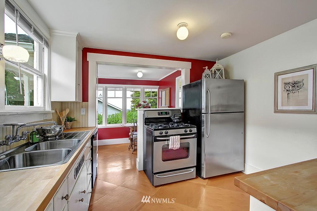 Sold Property | 6247 Palatine Avenue N Seattle, WA 98103 5