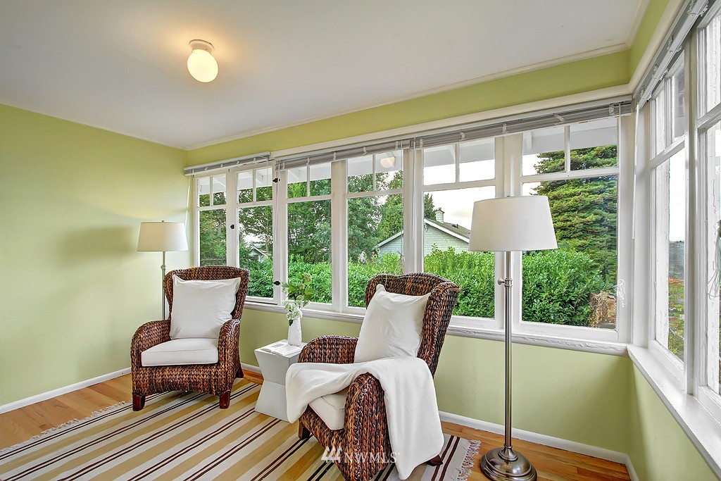 Sold Property | 6247 Palatine Avenue N Seattle, WA 98103 8