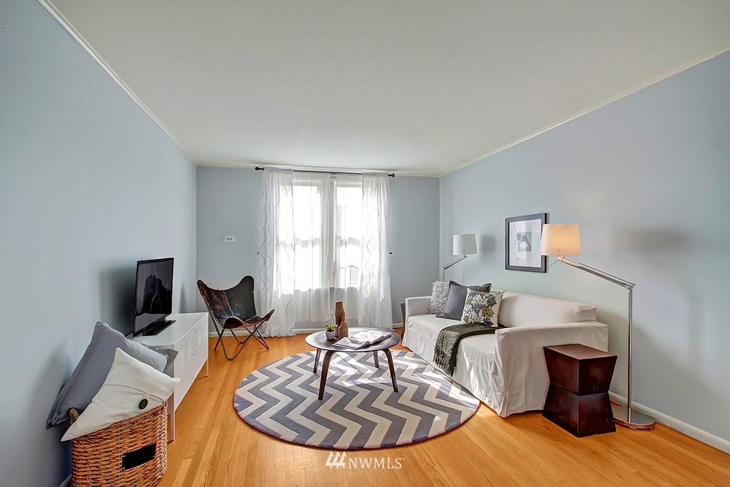 Sold Property | 6247 Palatine Avenue N Seattle, WA 98103 10