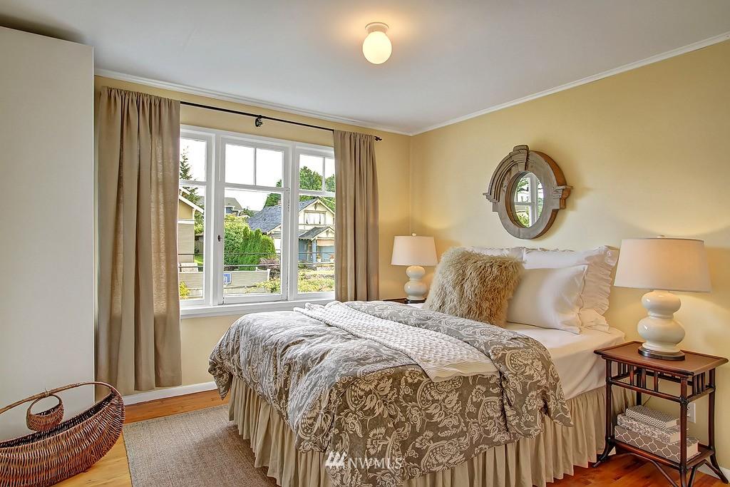 Sold Property | 6247 Palatine Avenue N Seattle, WA 98103 13