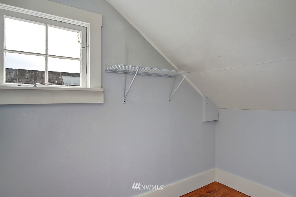 Sold Property | 6247 Palatine Avenue N Seattle, WA 98103 15