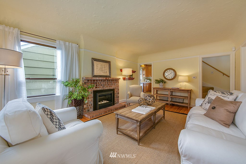 Sold Property | 6545 12th Avenue NW Seattle, WA 98117 1