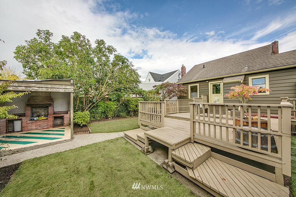 Sold Property | 6545 12th Avenue NW Seattle, WA 98117 13
