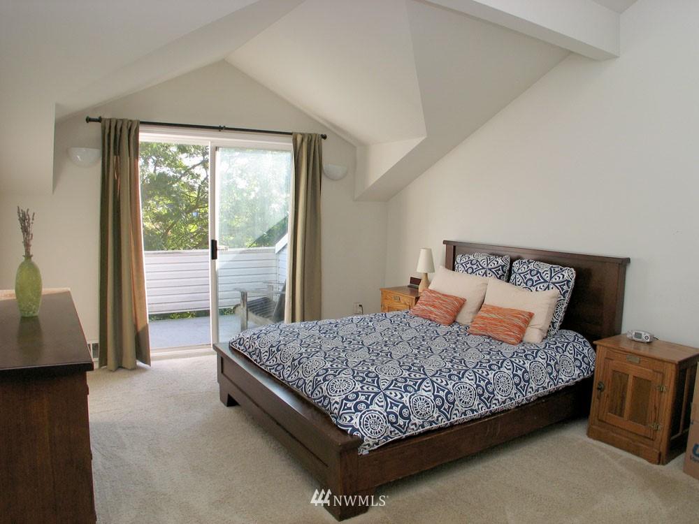Sold Property | 806 NW 52nd Street Seattle, WA 98107 8