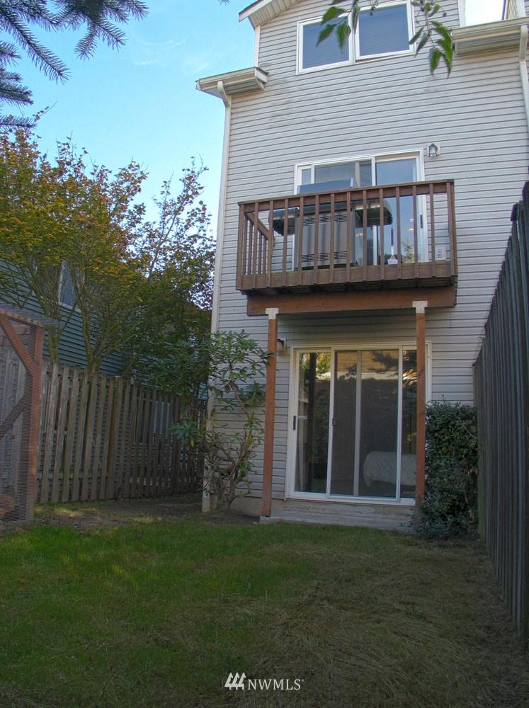 Sold Property | 806 NW 52nd Street Seattle, WA 98107 16