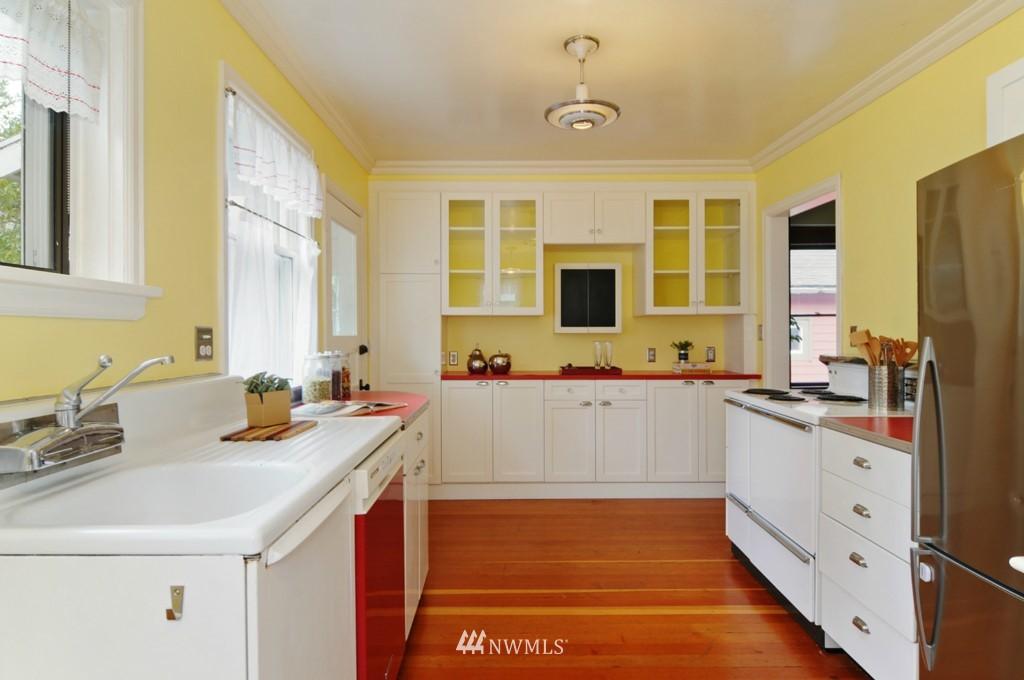 Sold Property | 8006 Stroud Avenue N Seattle, WA 98103 10