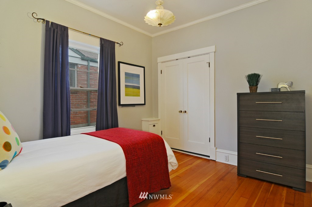 Sold Property | 8006 Stroud Avenue N Seattle, WA 98103 12