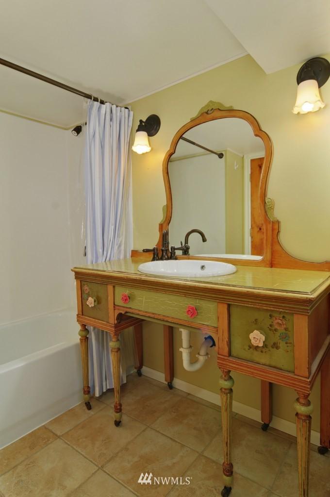 Sold Property | 8006 Stroud Avenue N Seattle, WA 98103 16