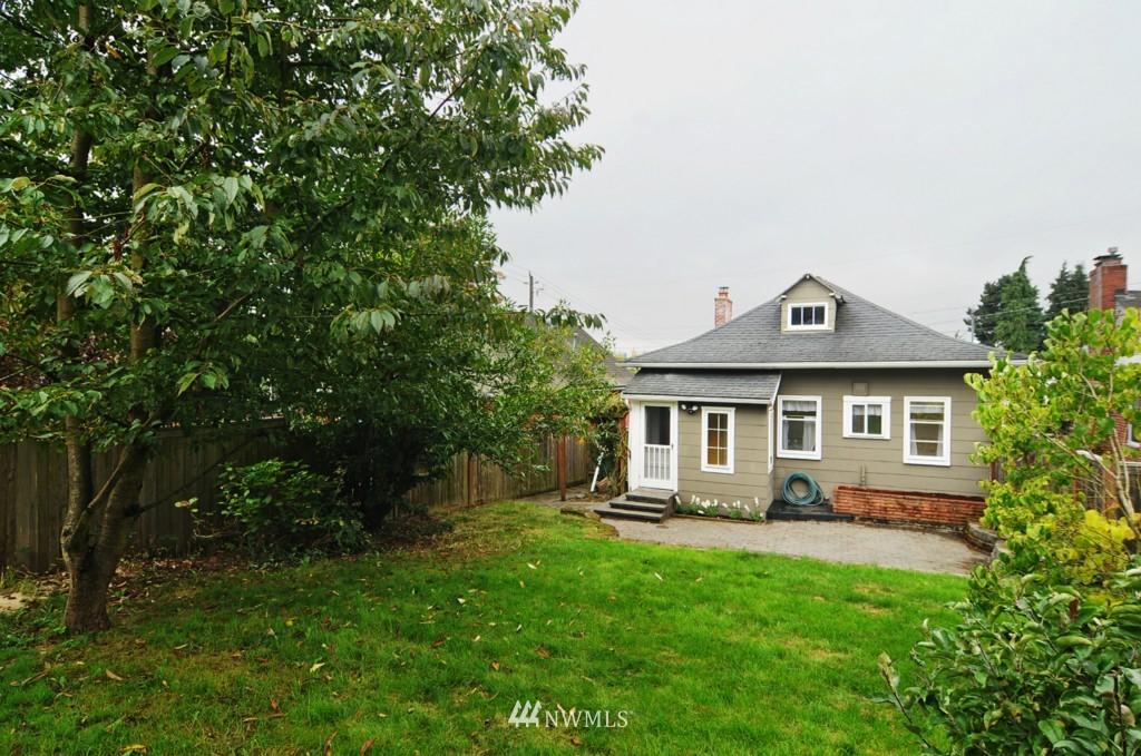 Sold Property | 8006 Stroud Avenue N Seattle, WA 98103 21