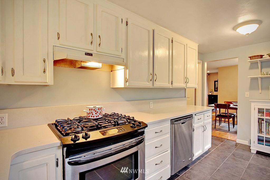 Sold Property   14040 26th Avenue NE Seattle, WA 98125 5
