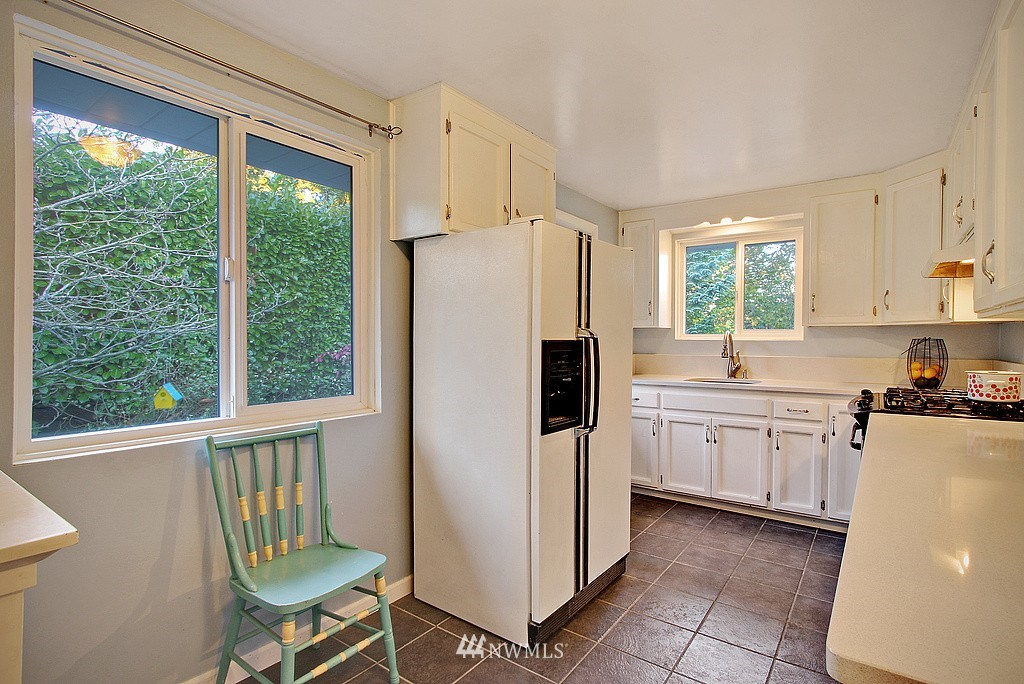 Sold Property   14040 26th Avenue NE Seattle, WA 98125 6