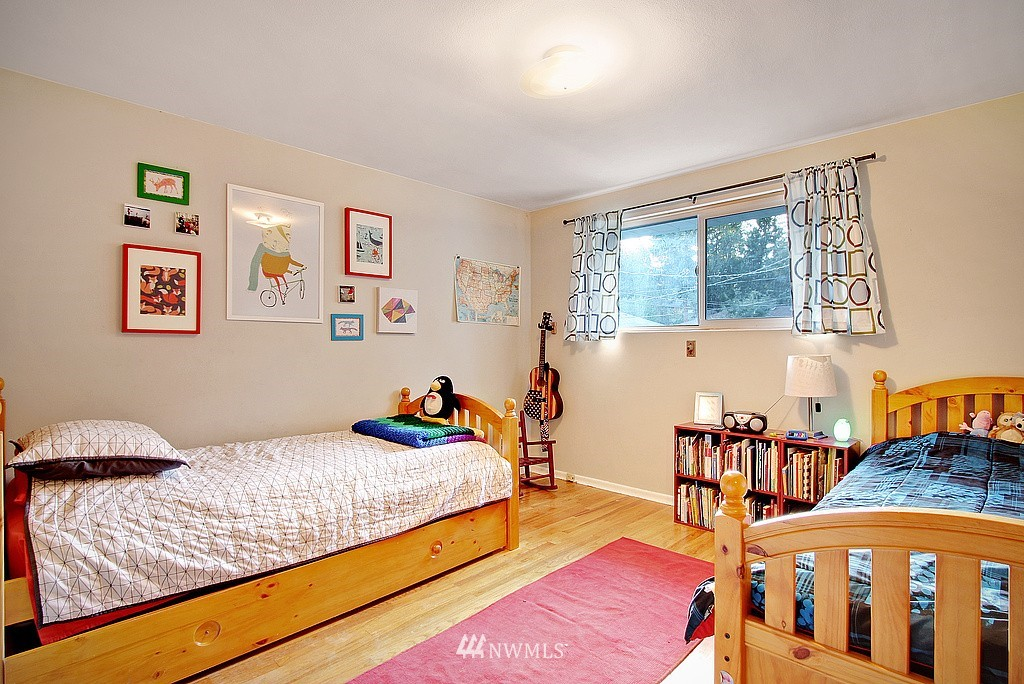 Sold Property   14040 26th Avenue NE Seattle, WA 98125 8