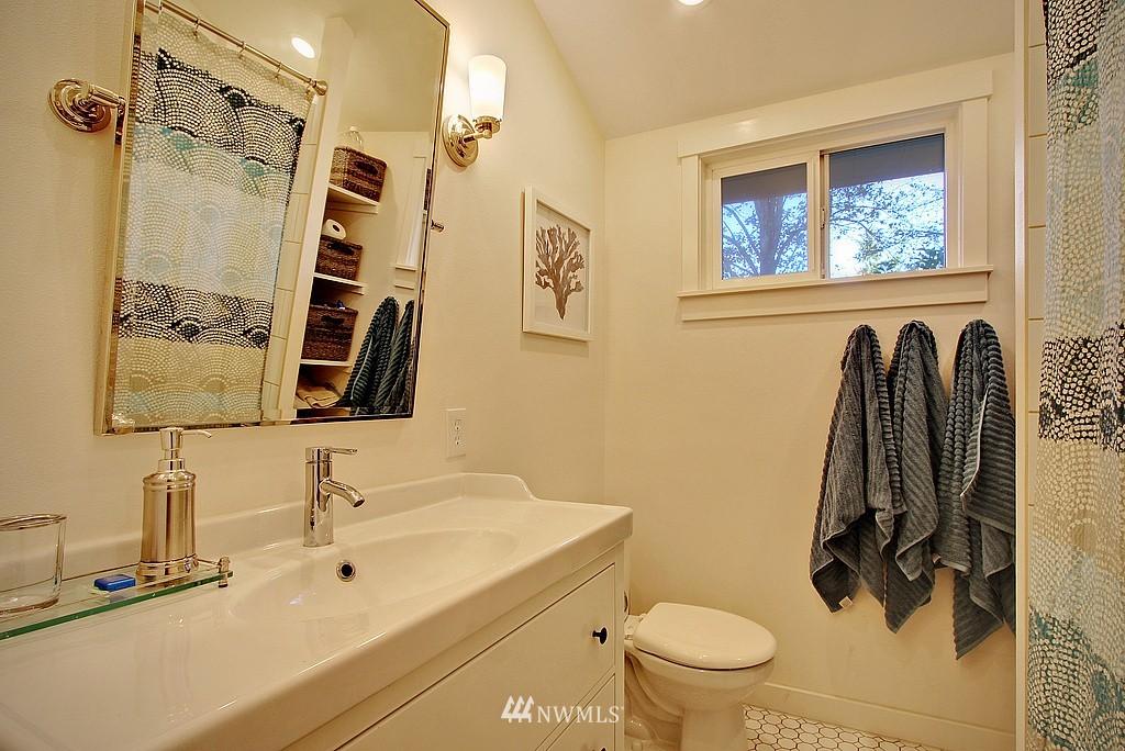 Sold Property   14040 26th Avenue NE Seattle, WA 98125 10