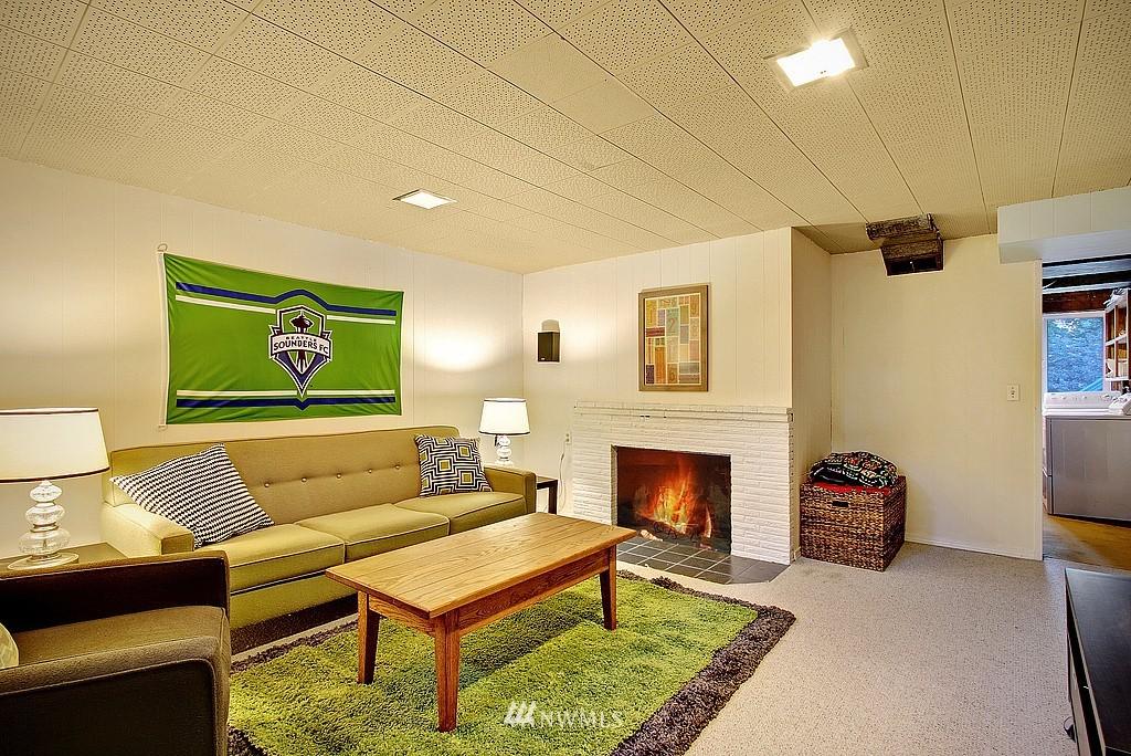 Sold Property   14040 26th Avenue NE Seattle, WA 98125 12