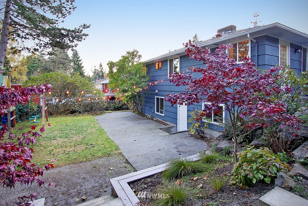 Sold Property   14040 26th Avenue NE Seattle, WA 98125 16