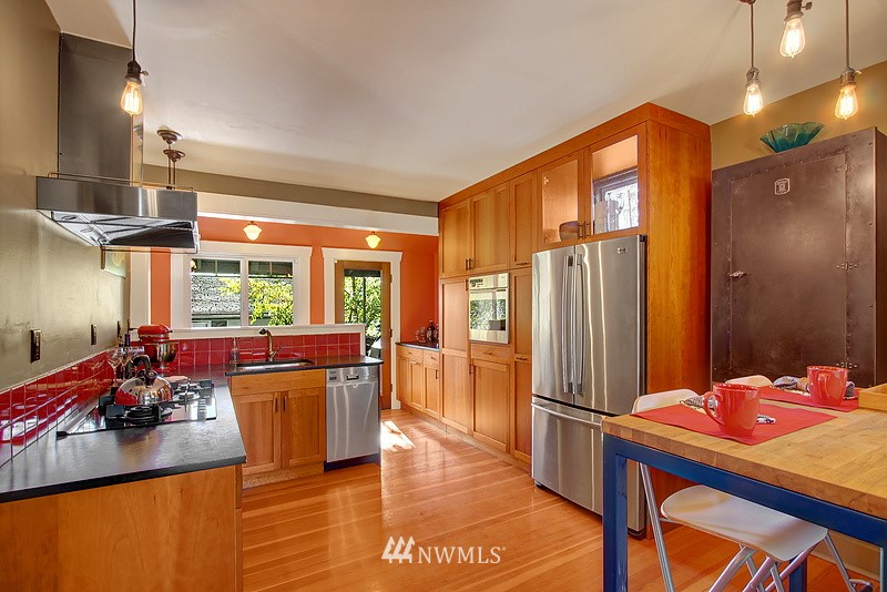 Sold Property | 123 NW 100th Street Seattle, WA 98177 4