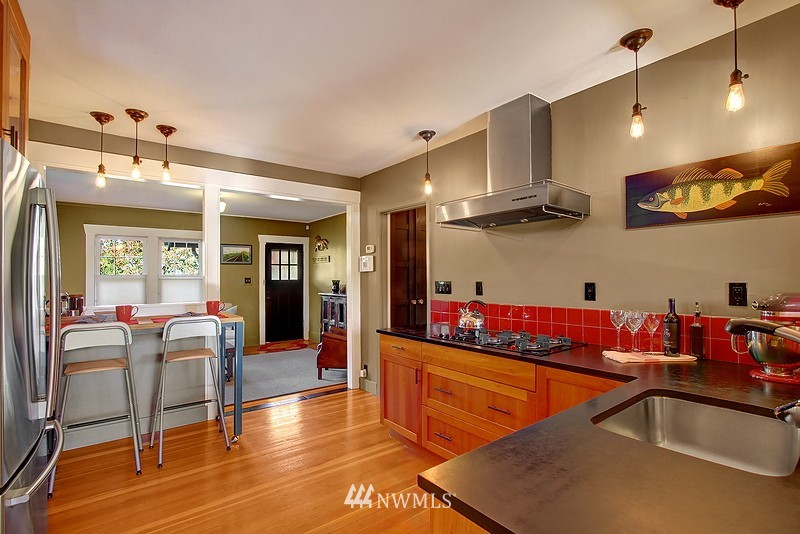 Sold Property | 123 NW 100th Street Seattle, WA 98177 6