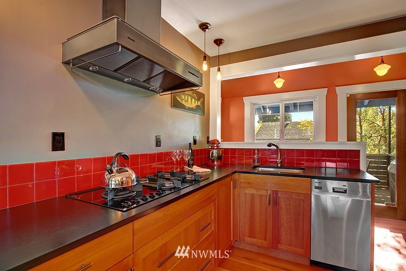 Sold Property | 123 NW 100th Street Seattle, WA 98177 8