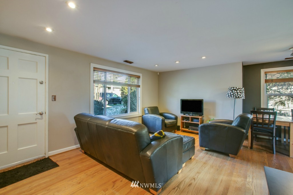 Sold Property | 4701 S Lucile Street Seattle, WA 98118 1