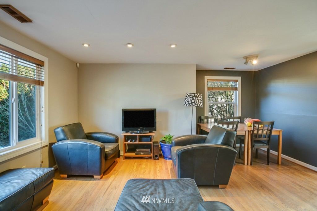 Sold Property | 4701 S Lucile Street Seattle, WA 98118 3