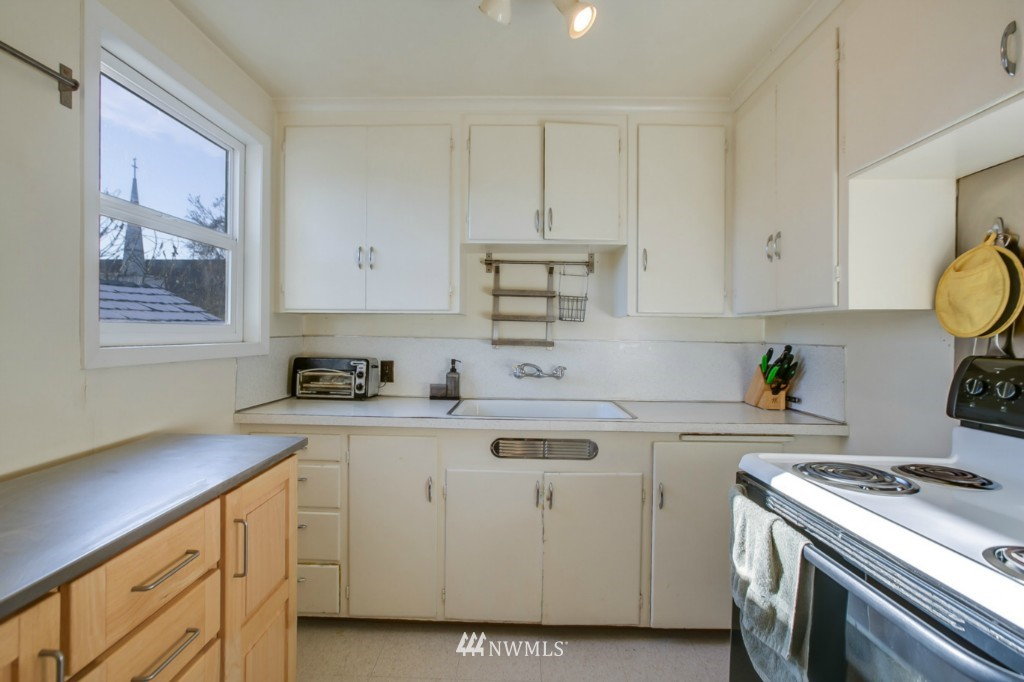 Sold Property | 4701 S Lucile Street Seattle, WA 98118 6