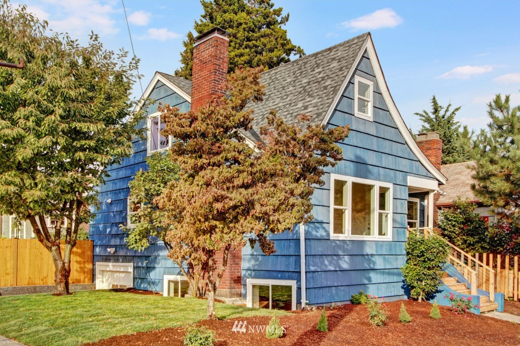 Sold Property   1900 NE 80th Street Seattle, WA 98115 1