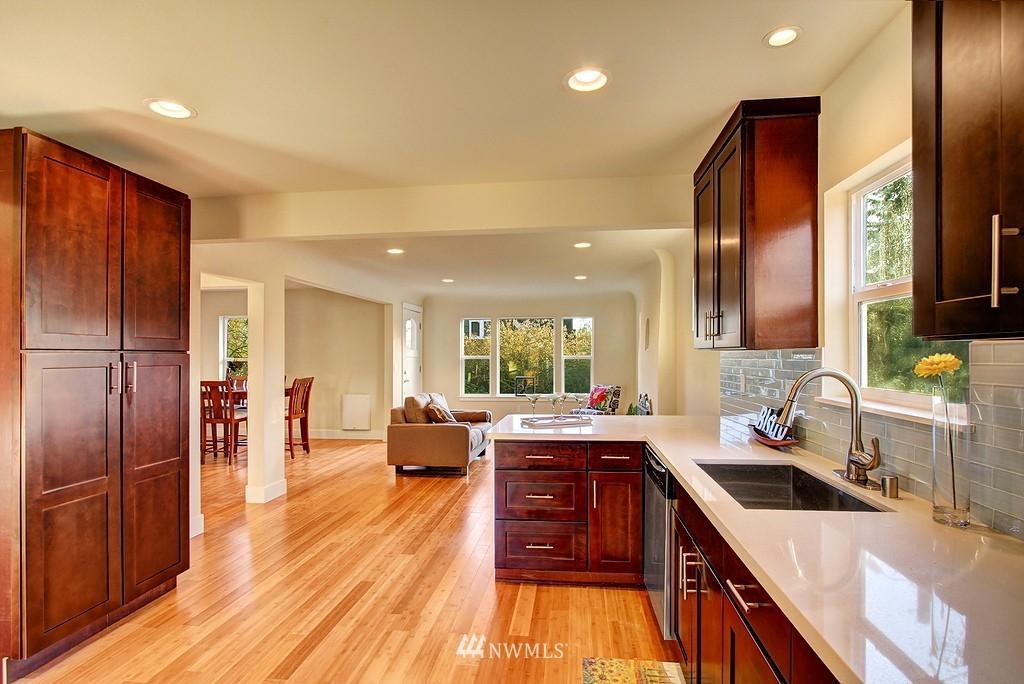 Sold Property   1900 NE 80th Street Seattle, WA 98115 4