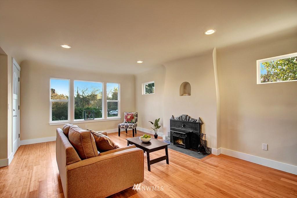 Sold Property   1900 NE 80th Street Seattle, WA 98115 5