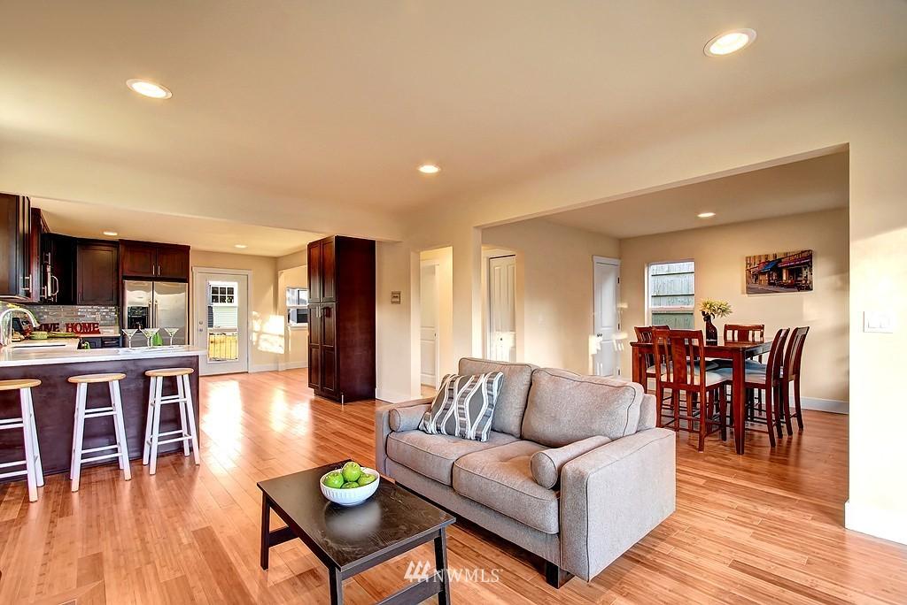 Sold Property   1900 NE 80th Street Seattle, WA 98115 7