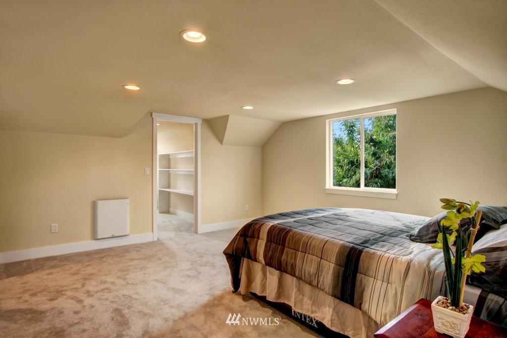 Sold Property   1900 NE 80th Street Seattle, WA 98115 8