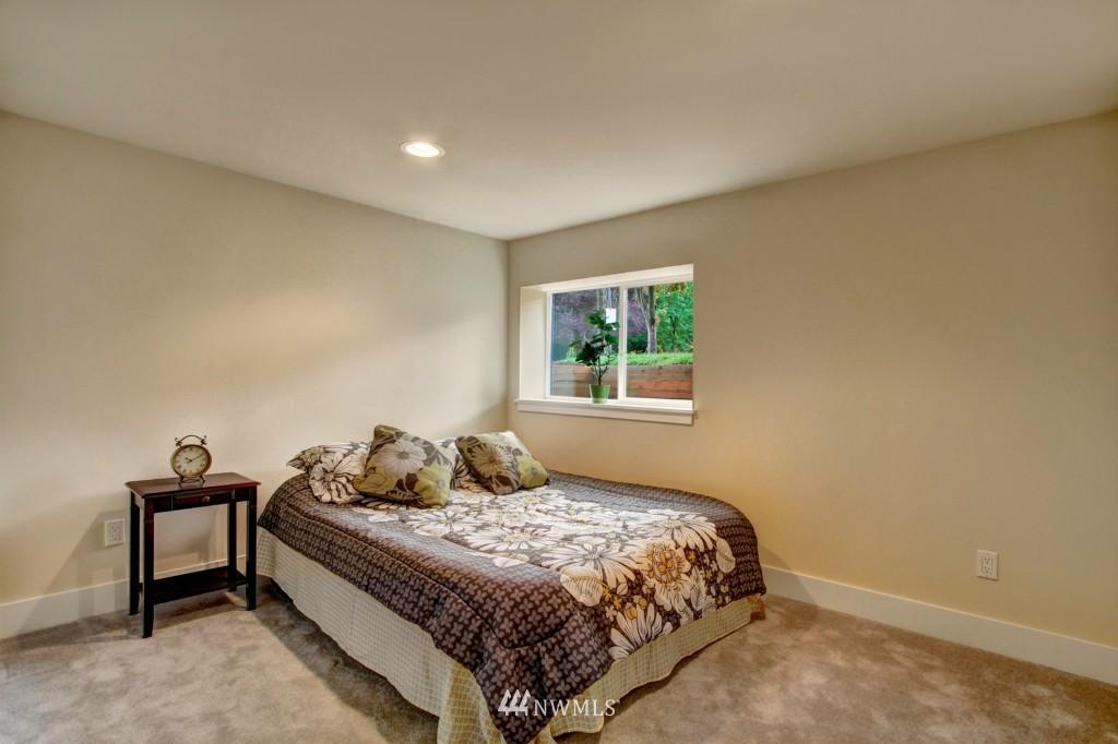 Sold Property   1900 NE 80th Street Seattle, WA 98115 14