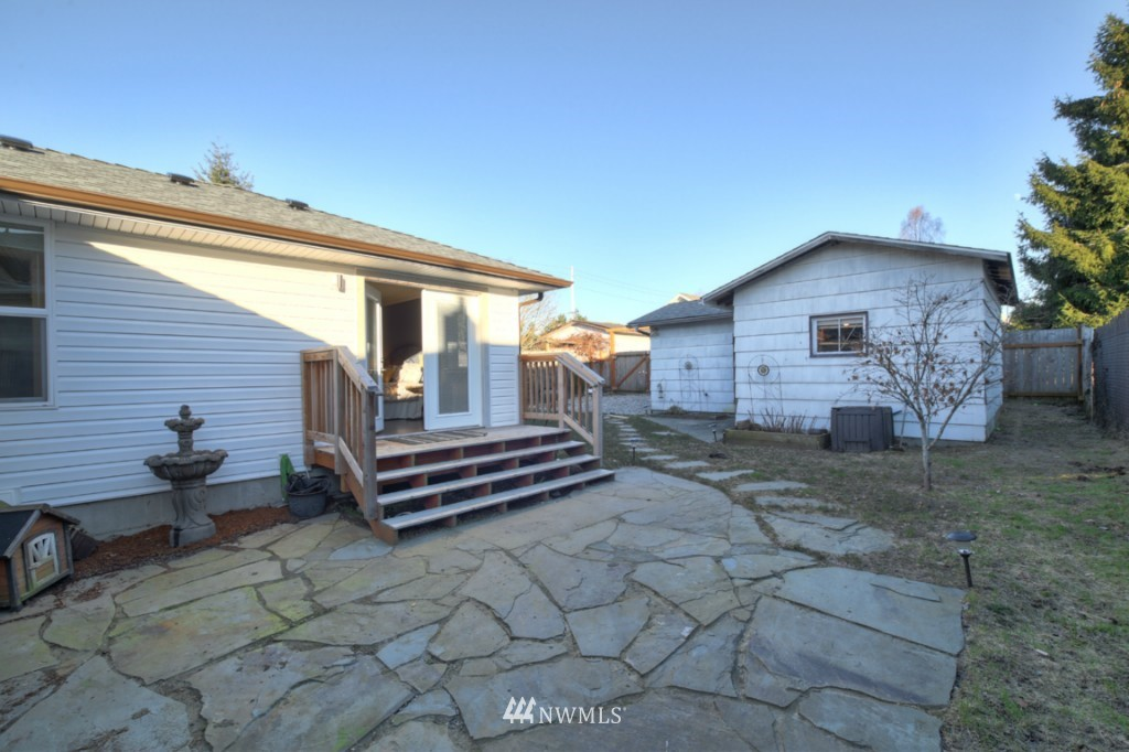Sold Property | 9240 3rd Avenue NW Seattle, WA 98117 17