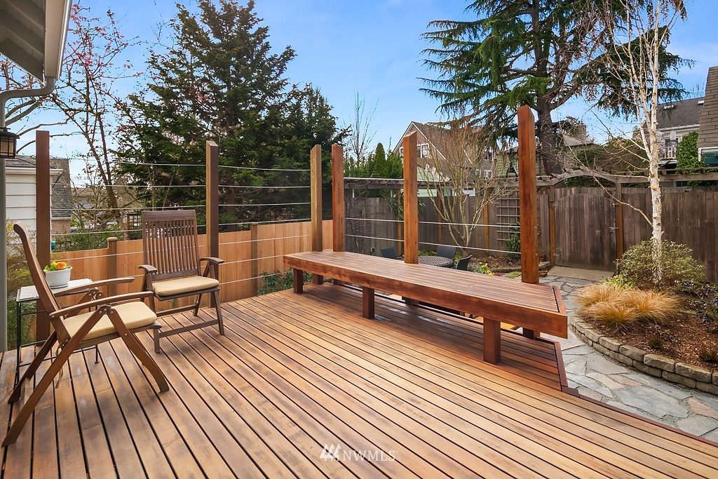 Sold Property | 5011 37th Avenue NE Seattle, WA 98105 7