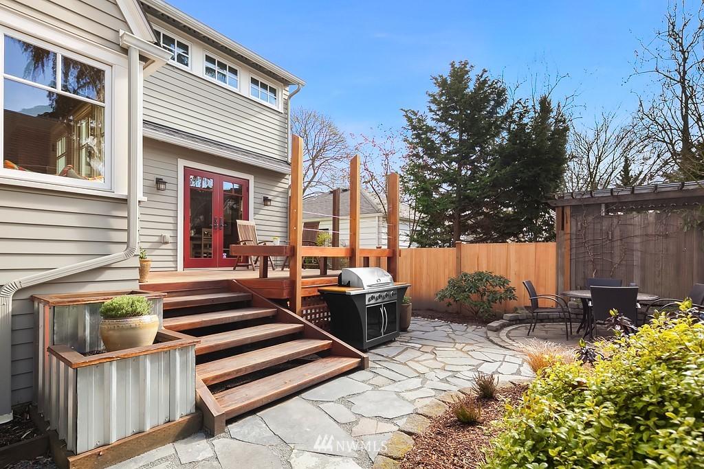 Sold Property | 5011 37th Avenue NE Seattle, WA 98105 9
