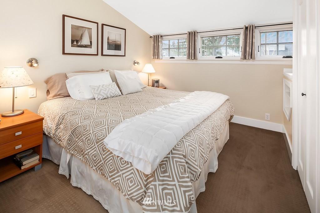 Sold Property | 5011 37th Avenue NE Seattle, WA 98105 15