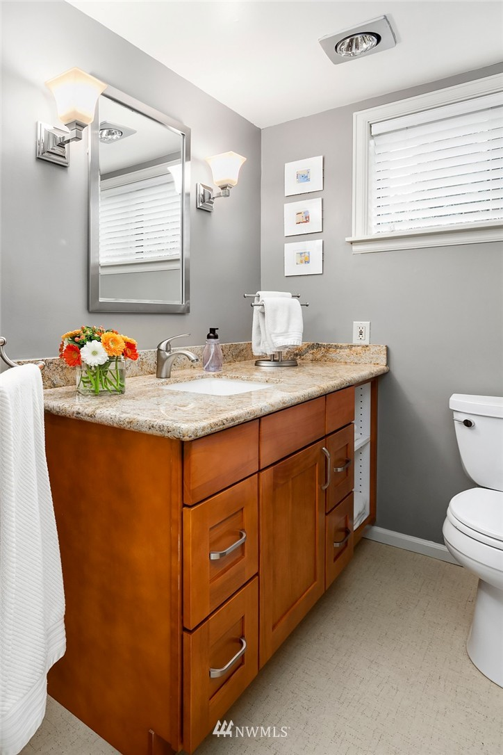 Sold Property | 5011 37th Avenue NE Seattle, WA 98105 21