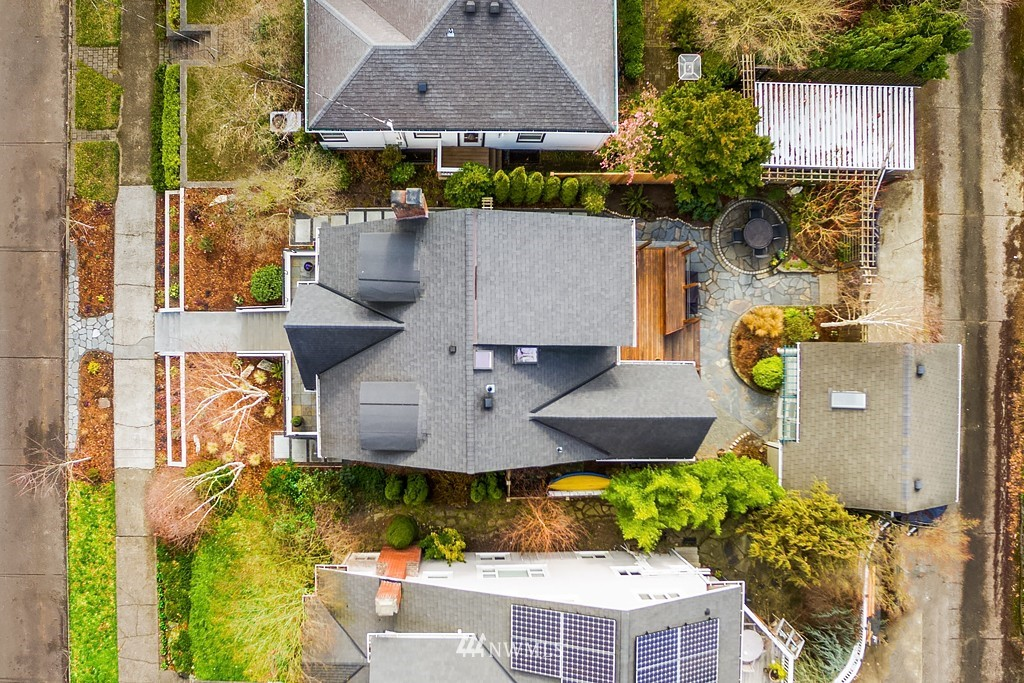 Sold Property | 5011 37th Avenue NE Seattle, WA 98105 23