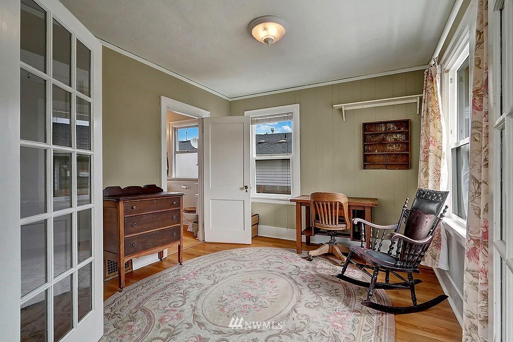 Sold Property   4911 Erskine Way SW Seattle, WA 98116 4