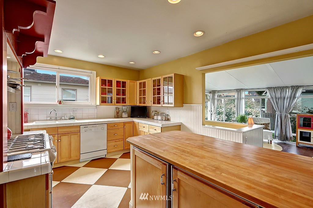Sold Property   4911 Erskine Way SW Seattle, WA 98116 8