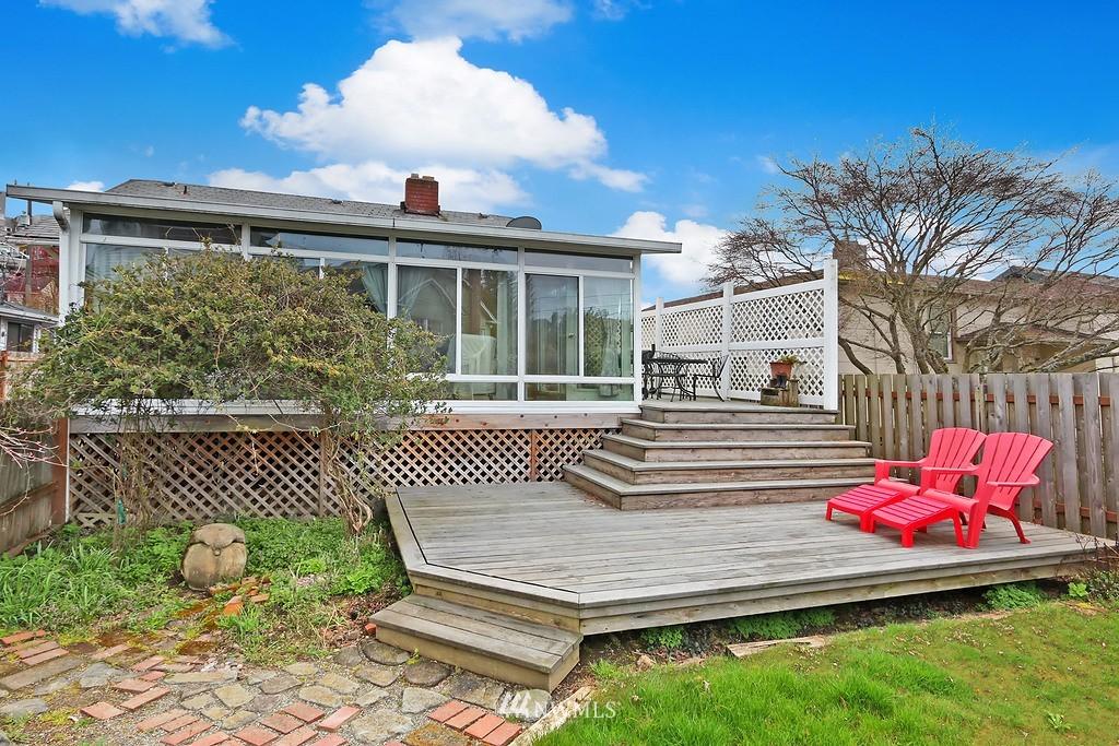 Sold Property   4911 Erskine Way SW Seattle, WA 98116 14