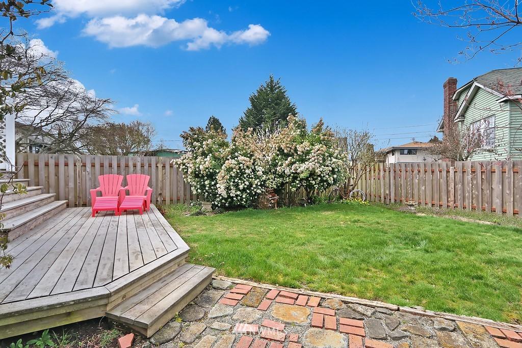 Sold Property   4911 Erskine Way SW Seattle, WA 98116 17