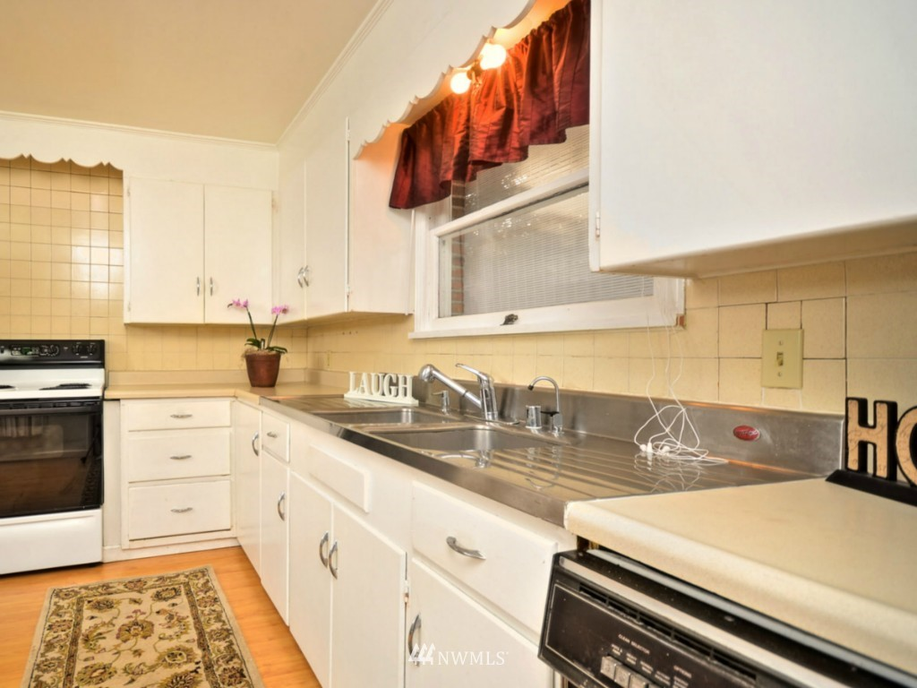 Sold Property   6809 NE 166th Court Kenmore, WA 98028 4