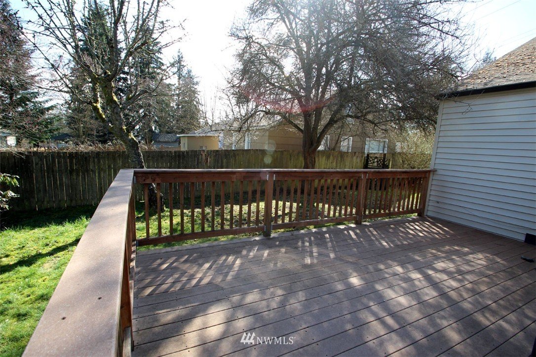 Sold Property | 11516 8th Avenue NE Seattle, WA 98125 15