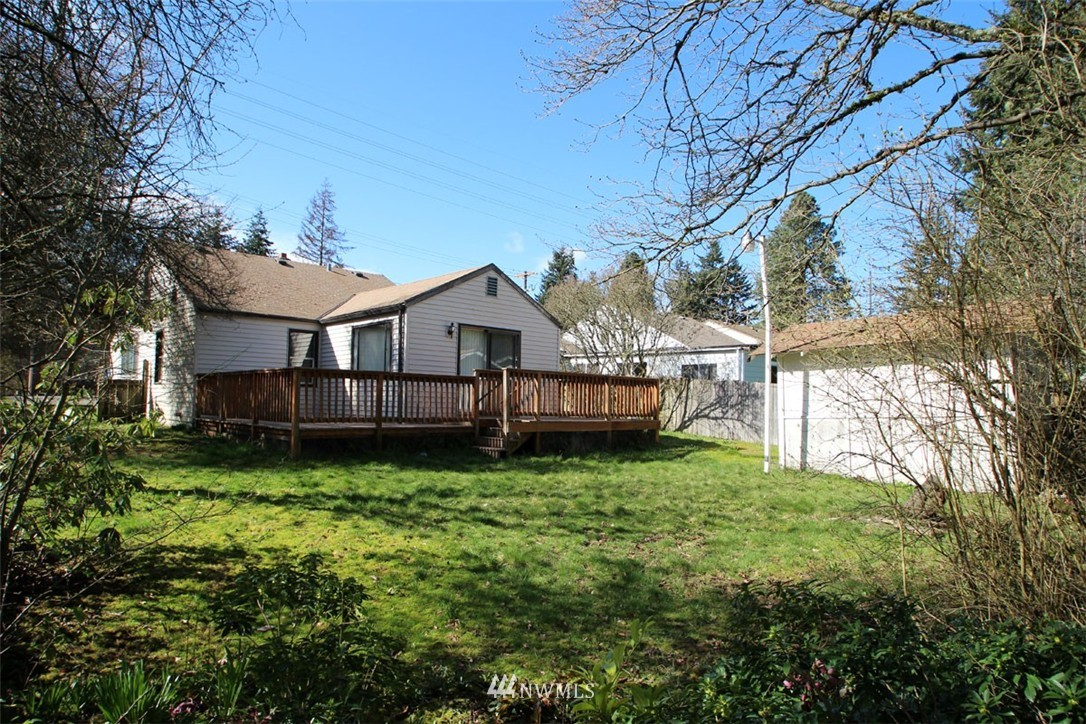 Sold Property | 11516 8th Avenue NE Seattle, WA 98125 16